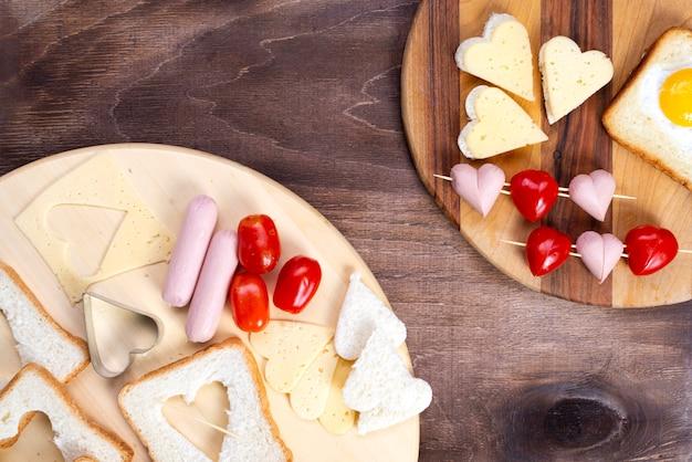 Kochen, sandwiches, herzförmige snacks