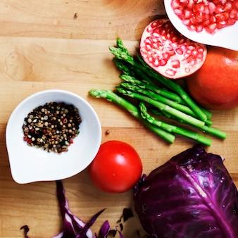 Kochvorbereitung-kulinarisches bestandteil-küchen-konzept