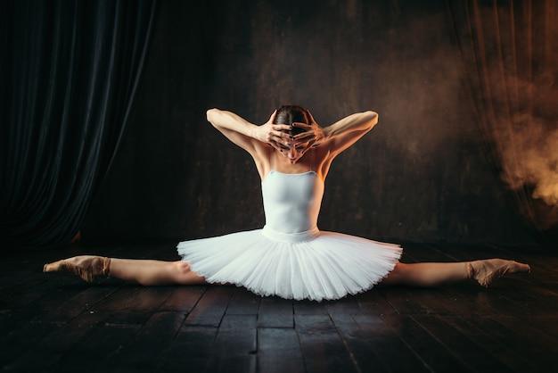 Körperflexibilität des ballettspielers, dehnung