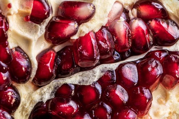 Köstliche granatapfel-draufsicht