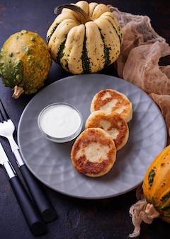 Köstliche hausgemachte kürbispfannkuchen
