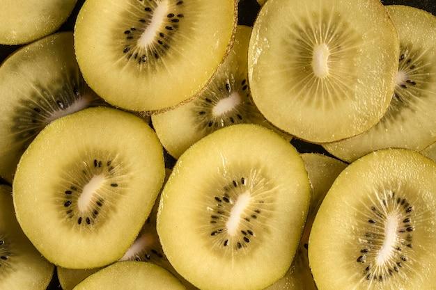Köstliche kiwi-anordnung flach liegen