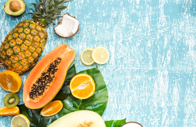 Köstliche mischung aus exotischen früchten