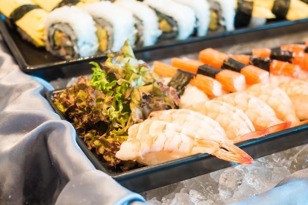 Köstliche sushi mit garnelen