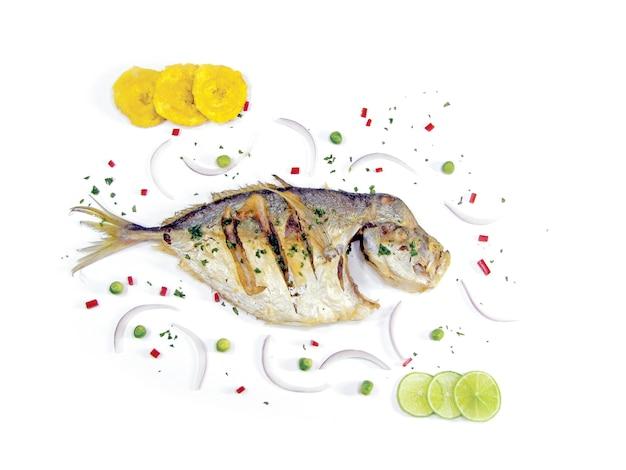 Köstlicher amazonischer gebratener fisch
