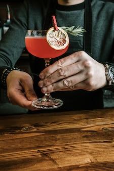 Köstlicher exotischer cocktail