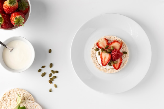 Köstlicher gesunder snack mit reiskuchen