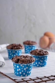 Köstlicher muttertag hausgemachte schokoladencupcakes