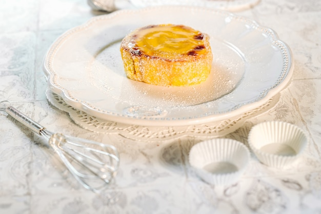 Köstlicher rollenkuchen aus portugal