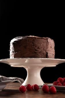 Köstlicher schokoladenkuchen mit kopierraum