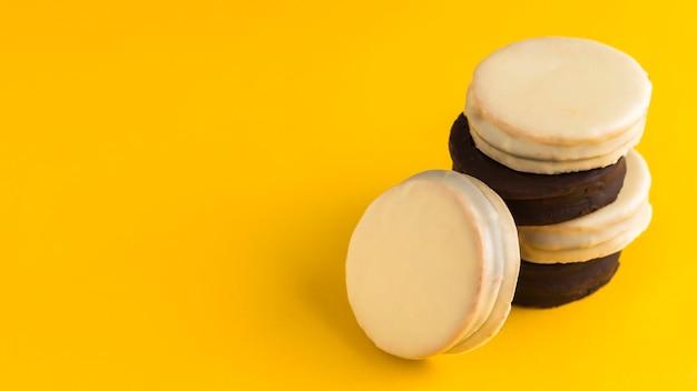 Köstliches alfajores-konzept mit kopierraum