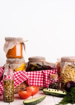 Köstliches hausgemachtes konservenkonzept