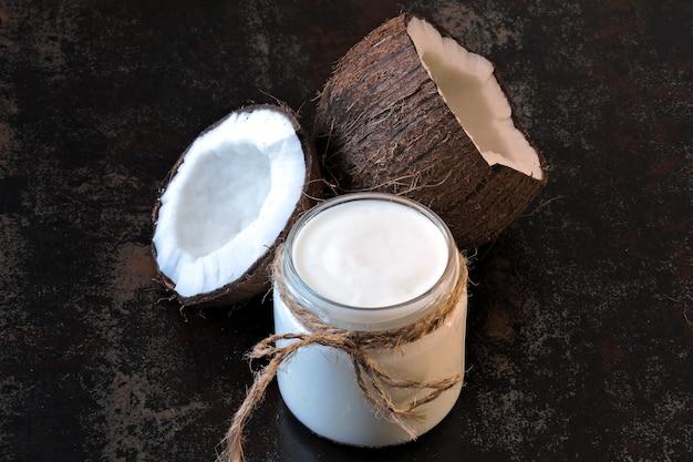 Kokos-joghurt-probiotika, fermentierte lebensmittel. veganer joghurt.