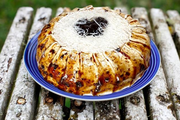 Kokoskuchen mit pflaumen