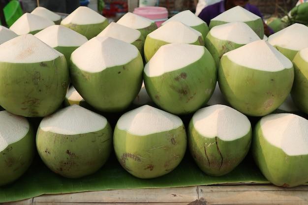 Kokosnuss am straßenlebensmittel