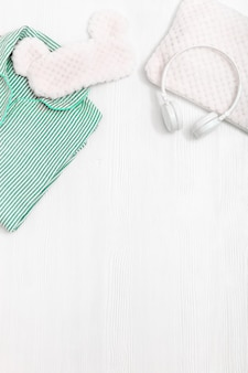 Komfort neomint farbe pyjama kopfhörer flauschiges kissen und schlafende augenmaske
