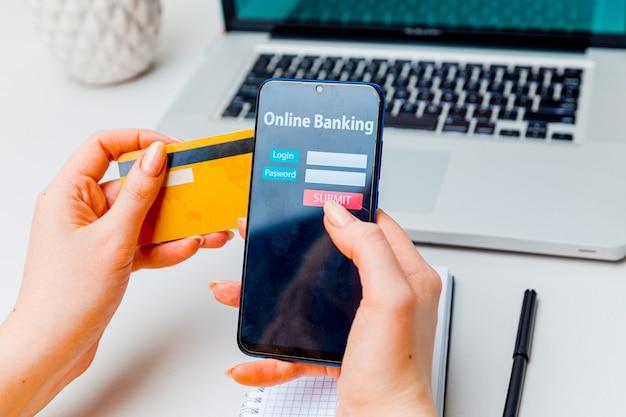 Kommerzielles e-commerce-konzept für online-banking-technologie.