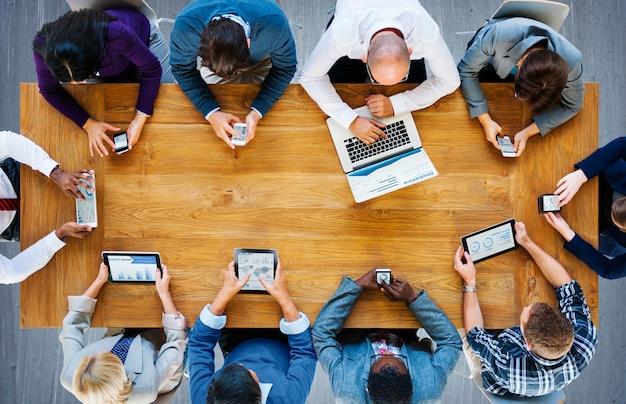 Kommunikations-verbindungs-digital-gerät-technologie-konzept