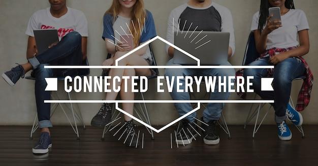 Kommunikationsverbindung online technologie community word