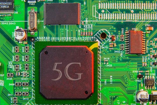 Komponenten der elektronischen platine digitaler chip des motherboards