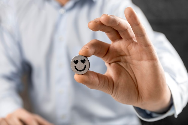 Komposition mit verliebtem emoji