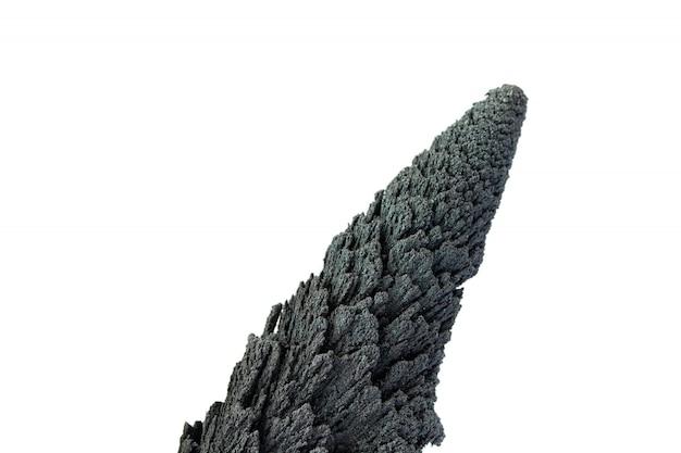Konisches vulkangesteinisolat auf weiß