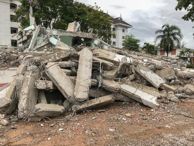 Konkrete demolierungsbaustelle bei phatthalung thailand