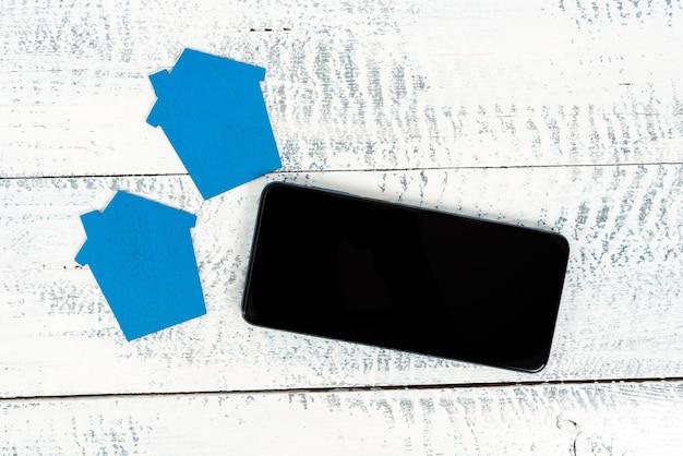 Kontaktaufnahme mit käufern, investoren, voice-video-calling-kunden, grundsteuerbemessung, präsentation des haushaltsbudgets, veröffentlichung von bildern online, präsentation eines wohnungsrenovierungsplans