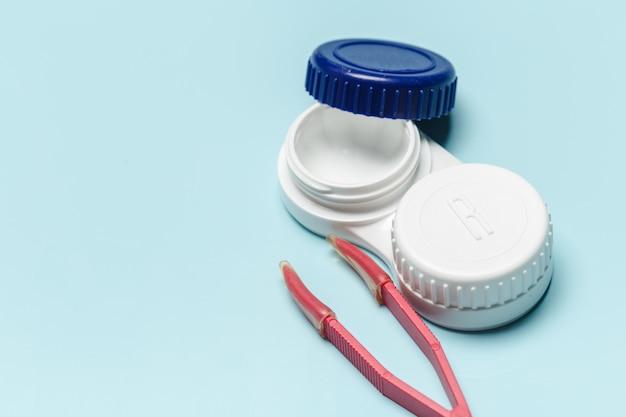 Kontaktlinse, kontaktlinsenbehälter, pinzette