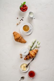 Kontinentales frühstück von oben