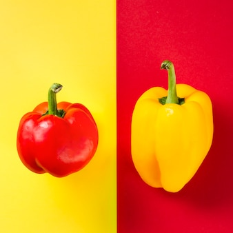 Kontrastierte paprika und hintergrund