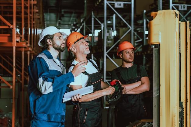 Kontrollkästchen für vorgesetzte und lagerarbeiter