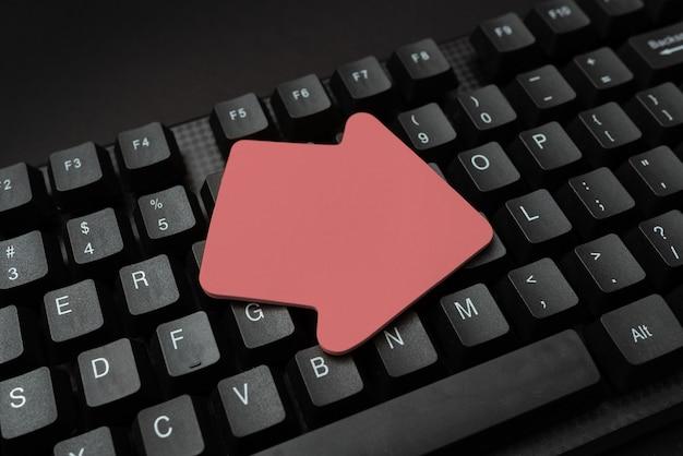 Konvertieren von schriftlichen notizen in digitale daten, eingeben wichtiger codierungsdateien, globale konnektivität, erlernen neuer dinge, chat-browsing-aktivitäten, informationsbeschaffung