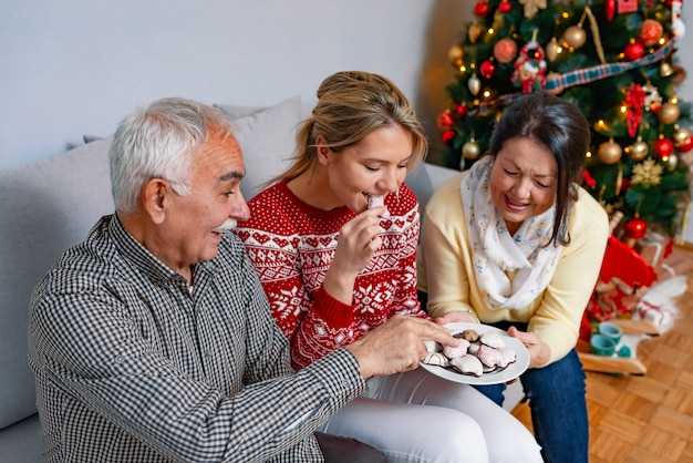 Konzept der familienwerte und festliche atmosphäre