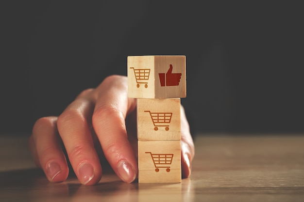 Konzept der kundenbewertungen und bewertungen für waren im geschäft.