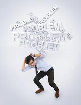 Konzept des betonten asiatischen mannes durch problem