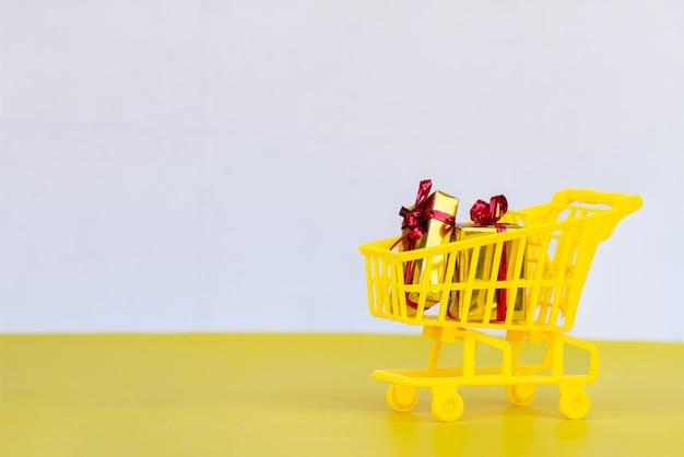 Konzept des einkaufswagens kaufen.