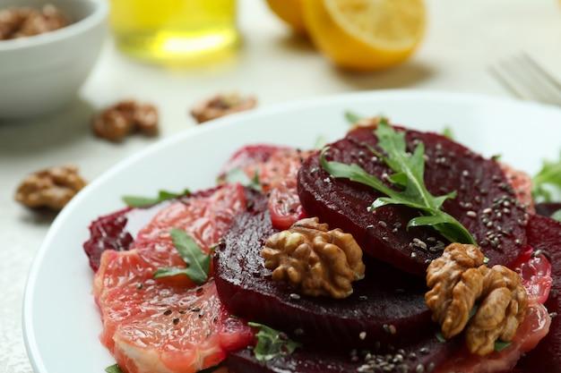 Konzept des leckeren essens mit rübensalat, nahaufnahme