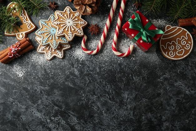 Konzept des weihnachtsessens mit leckerem keks