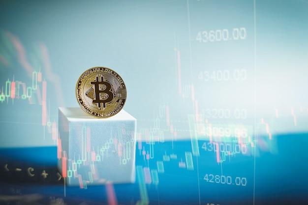 Konzept mit goldener bitcoins-leiter auf forex-chart-hintergrund