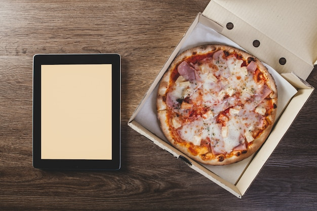 Konzept pizza lieferung lebensmittelmenü
