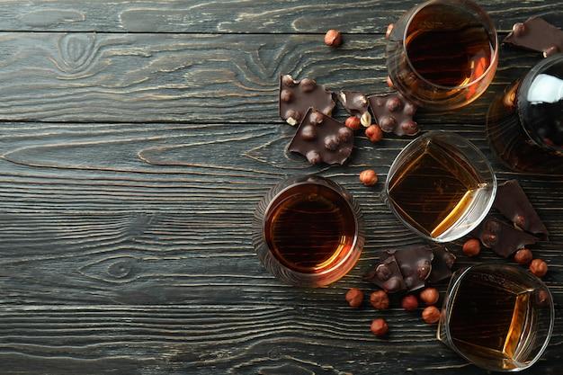 Konzept von harten alkoholischen getränken mit cognac