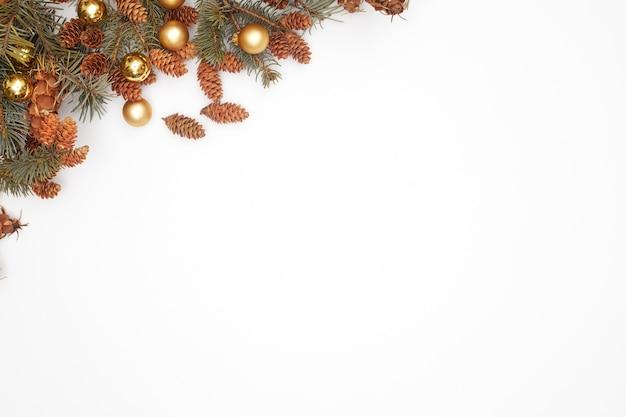 Konzept, weihnachtsdekorationen auf weißem hintergrund isolieren, flatley, kopienraum