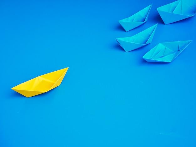 Konzeptgeschäfts-schiffsbootsblauhintergrund