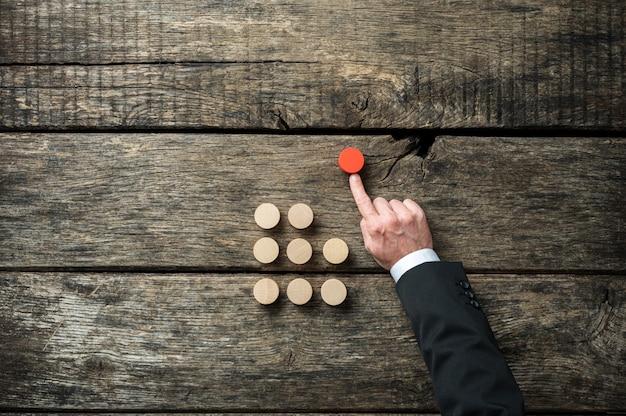 Konzeptionelles bild von eigeninitiative und entschlossenheit