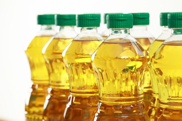 Konzeptmuster palmölflasche im supermarkt