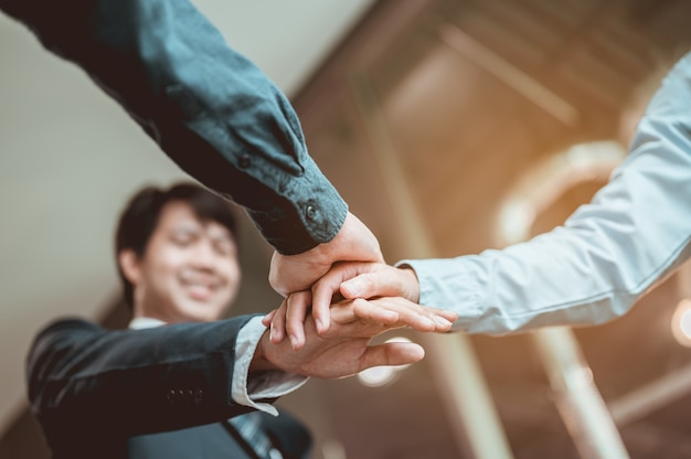 Koordination der hände. geschäft, teamwork, erfolg, arbeit, erfolgreiches konzept.