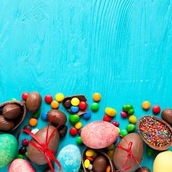 Kopf von eiern und süßigkeiten