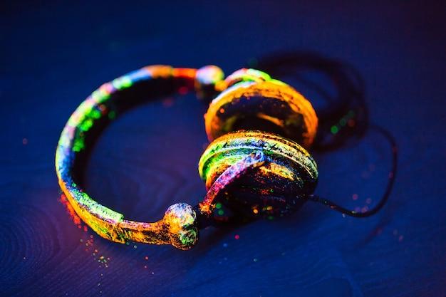 Kopfhörer in uv-pulver lackiert.