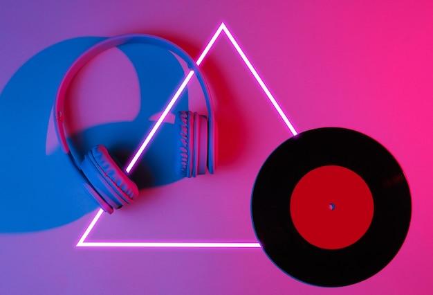 Kopfhörer mit schallplatte